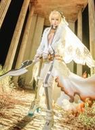 花嫁尼禄COS,手握大剑的样子真的好凶!