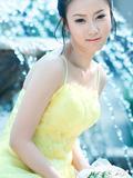 青春美少女五月花季写真大片