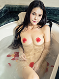 美女刘雨露浴缸湿身裸身勾人心魂