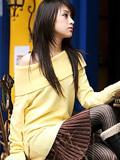 台湾靓丽清新的钢琴美女