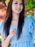 花样养眼美少女身穿蓝色裙子 很迷人